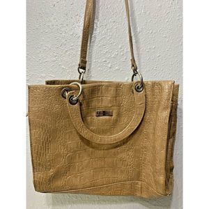 ALFRED DUNNER BEIGE HAND BAG NON ADJUSTABLE A16